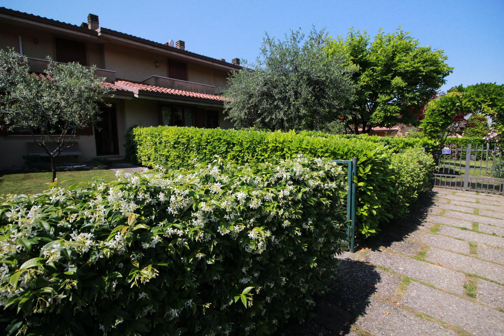 DESENZANO DEL GARDA – Villa con Giardino privato