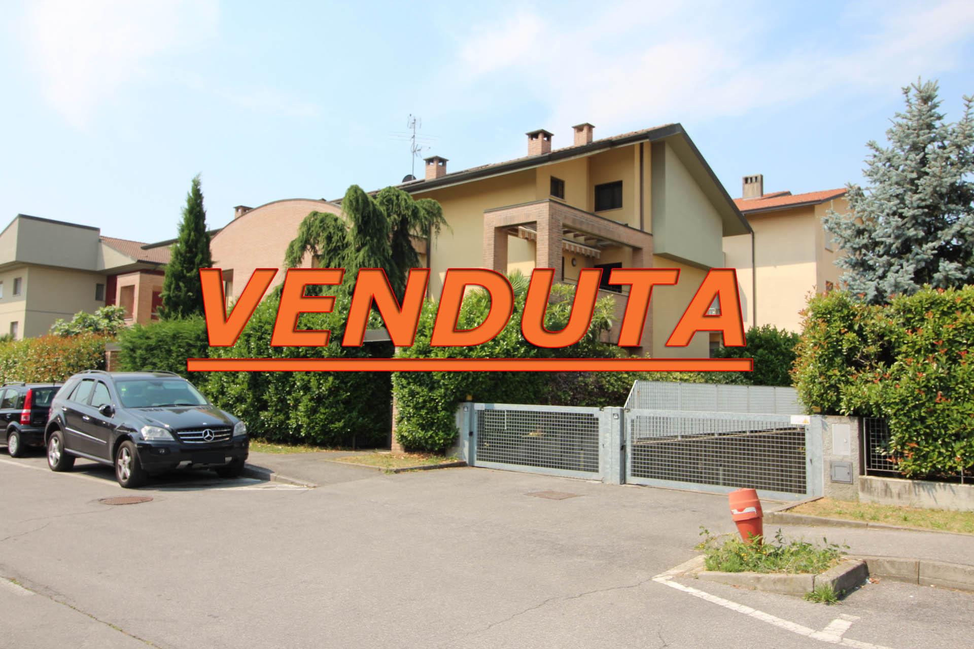 Villa con Taverna, Giardino e Ingresso indipendente
