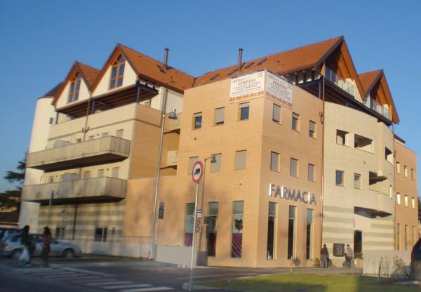 Canonica d'Adda – Ufficio in affitto, zona centro.