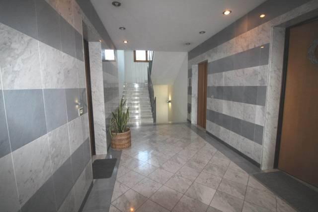 CANONICA D'ADDA Appartamento quadrilocale cantina e box dop_