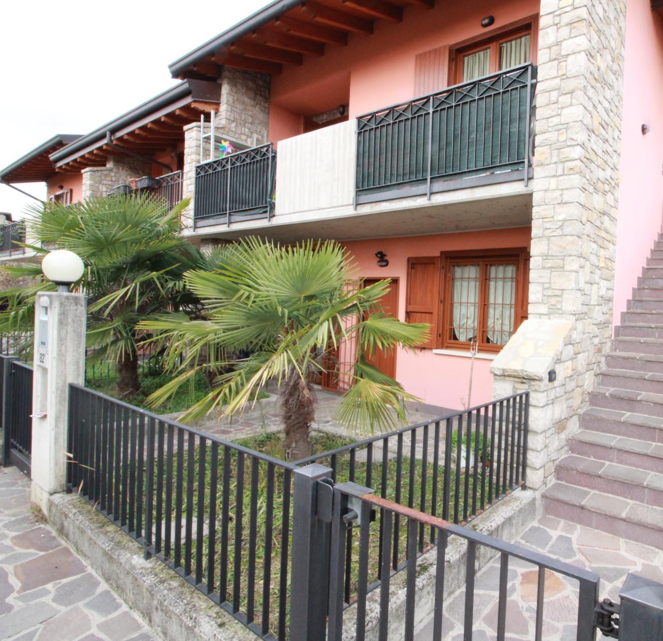 CANONICA D'ADDA Recentissimo Appartamento in Villa con giardino, taverna e box